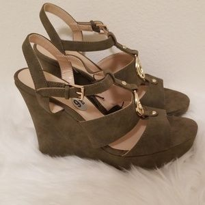 GUESS Marland Wedge
